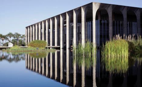 Palácio Itamaraty localizado na Esplanada dos Ministérios ligado ao Ministério das Relações Exteriores.